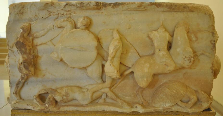 Рельеф с триумфального монумента Луция Эмилия Павла в Дельфах. Сцена избиения римлянами побеждённых македонян