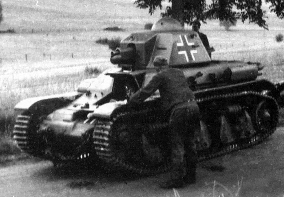 противотанковой пушкой 4,7cm pak(t) renault r35