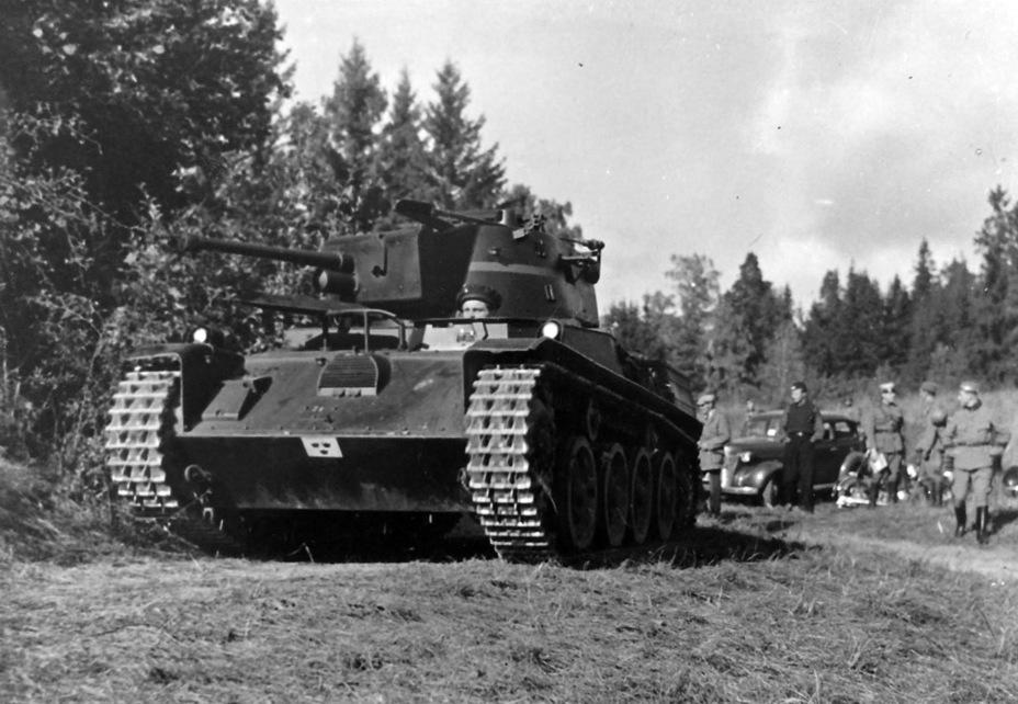 Strv m/38 на учениях шведской армии