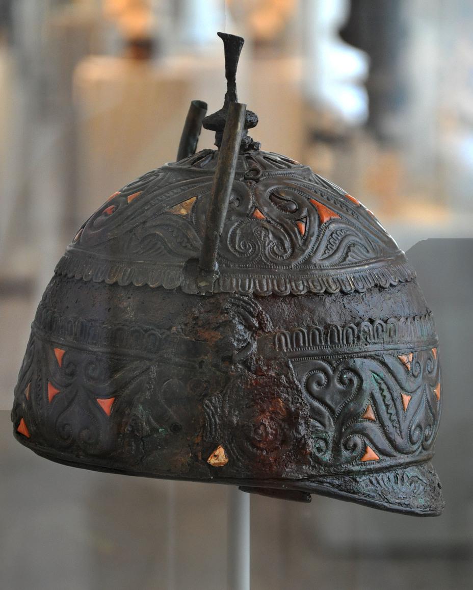Кельтский шлем из богатого погребения в Каноса ди Пулья, южная Италия, IV век до н.э. Захороненный в могиле воин, скорее всего, являлся предводителем кельтских наёмников на греческой службе - Кельты: первые столкновения с Римом | Warspot.ru
