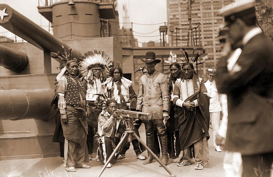 Неграм запретили быть индей