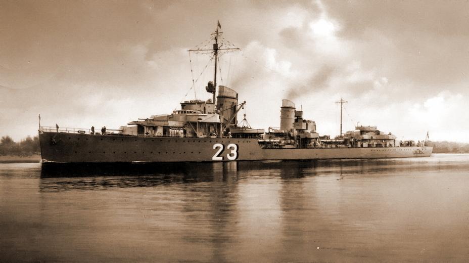 Немецкий эсминец «Герман Шёман», получивший фатальные повреждения 2 мая в бою с «Эдинбургом» и его эскортом