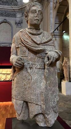 Статуя галльского воина из Вашера на юге Франции, I в. н.э. - Битвы кельтов: интерактивный спецпроект Warspot | Warspot.ru