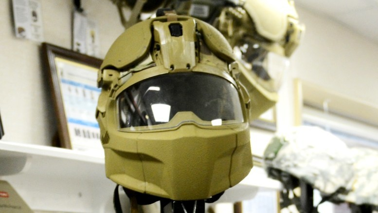 ​Прототип баллистического шлема Integrated Head Protection System kitup.military.com - Американскую армию оденут в «мотоциклетные шлемы» | Военно-исторический портал Warspot.ru