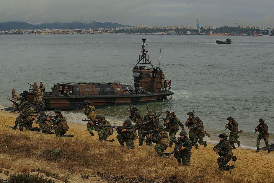 картинки высадка морской пехоты раздвигает