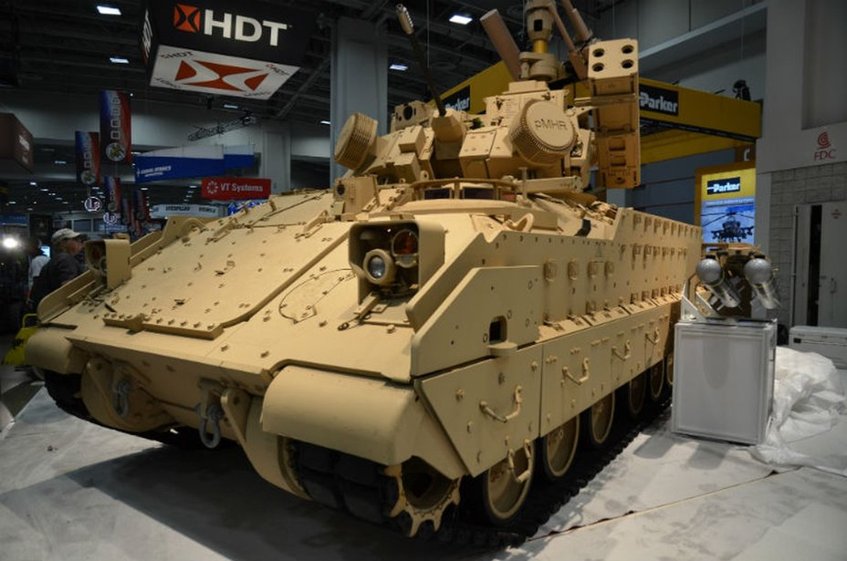 ​Система ПВО на базе БМП M2 Bradley. breakingdefense.com - «Брэдли» превратили в «убийцу МиГов» | Военно-исторический портал Warspot.ru