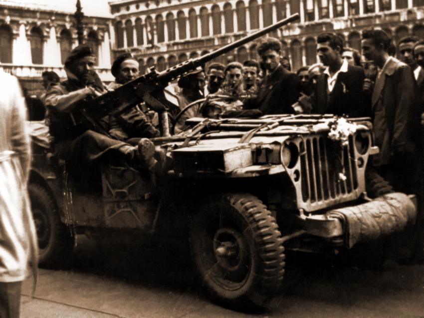 «Виллис» патруля PPA на Пьяцца Сан-Марко в Венеции, 1945 год