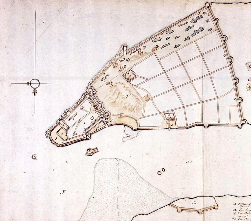 Часть голландского плана Диу, сделанного в конце XVII века и показывающего новые укрепления и несколько иные очертания береговой линии. Тем не менее это, видимо, ближайшее к событиям топографическое изображение, позволяющее оценить взаимные размеры и расстояния, значимость морского форта (единственный проход в порт — между ним и крепостью) и трудность защиты заречного укрепления (справа внизу). Длинные «стороны» крепостных стен — до 280–300 м. Направление на север — вниз - Диу: «чернота» под стенами крепости | Warspot.ru