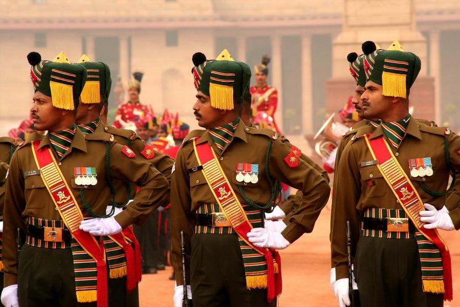 Военнослужащие Мадрасского полка в парадной форме, наши дни