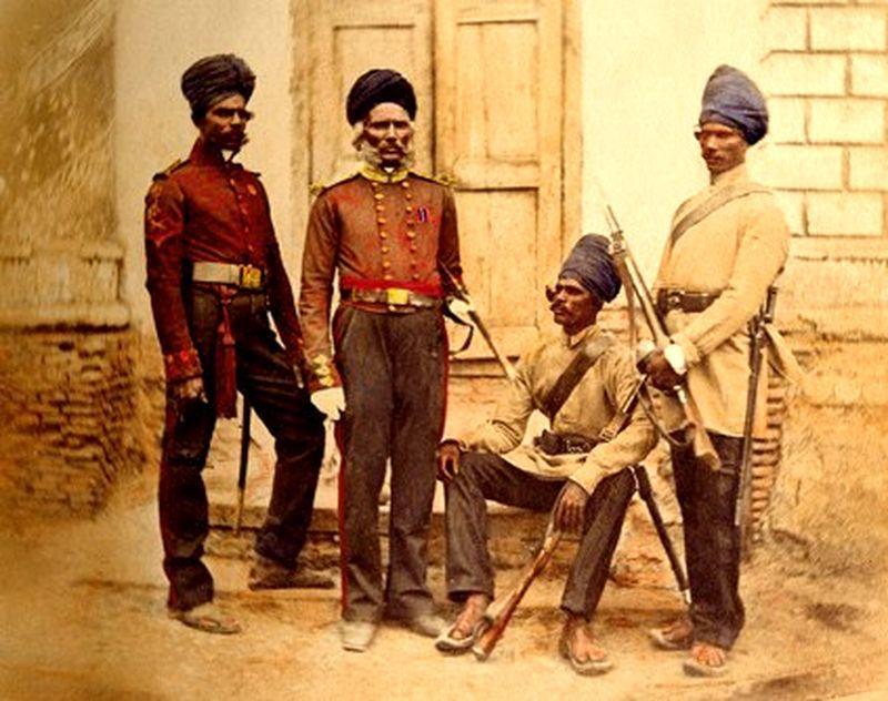 Мадрасские сапёры и минёры. Раскрашенная фотография 1857 года