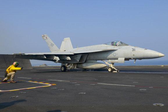 Истребитель Boeing F/A-18E/F Super Hornet. flugrevue.de - «Супер Шершням» продлевают жизнь | Warspot.ru