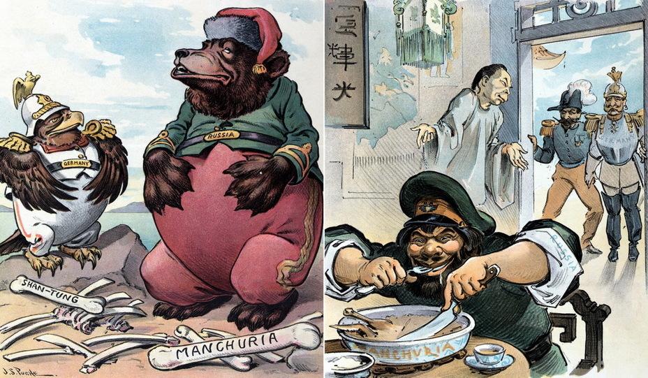 Слева: «Мирное настроение на сытый желудок». Немецкий орёл и русский медведь отдыхают после трапезы. Кости подписаны «Шаньдун» и «Маньчжурия» – территории, попавшие в сферу интересов двух монархий (9 апреля 1902 года). Справа: «Кто первый пришёл – тот первый обслуживается». Россия ест из миски с надписью «Маньчжурия» в китайском ресторане. На заднем плане Китай извиняется перед президентом Франции Эмилем Лубе и кайзером Вильгельмом II (13 мая 1903 года) - Весёлые картинки Warspot: Российская империя глазами американских карикатуристов | Warspot.ru
