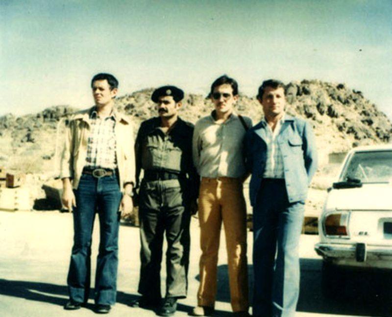 Трое французских спецназовцев с саудовским офицером в Таифе, 1979 год - Явление Махди | Warspot.ru