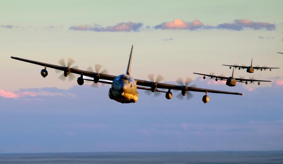 До настоящего времени основным самолётом американского спецназа остаётся MC-130 — модификация военно-транспортного самолёта C-130 «Геркулес» - Специальный самолёт для специальных людей | Warspot.ru