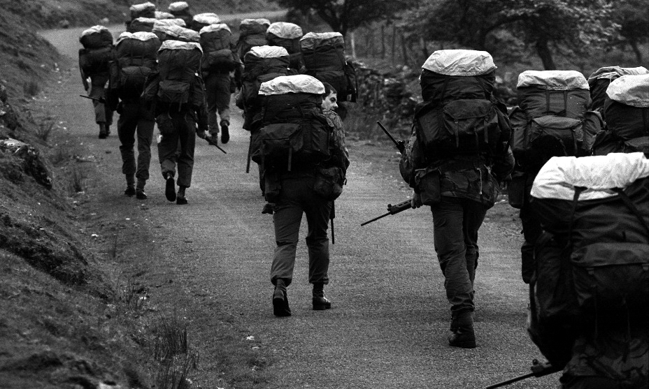 ?Рекруты SAS во время марша на выносливость. Брекон-Биконс, 1981 год - Погоня за бежевым беретом | Warspot.ru