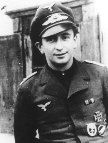 Командир 2-го батальона 6-го парашютного полка майор Рольф Магер. lexikon-der-wehrmacht.de - Большая ошибка Монти   Warspot.ru