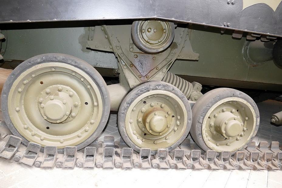 ролики и катки от бронетехники вов фото прическа шишка держалась