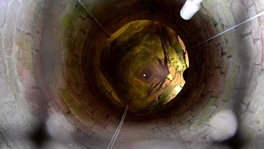 Самый глубокий замковый колодец в мире - Вода на войне | Warspot.ru