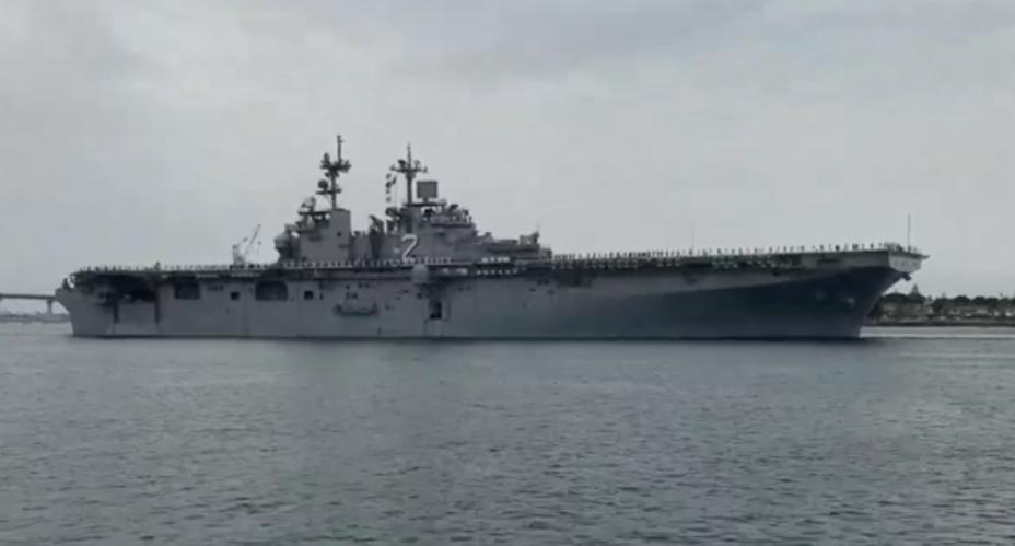 Вертолётоносец USS Essex. military.com - F-35B плывут на Ближний Восток   Warspot.ru