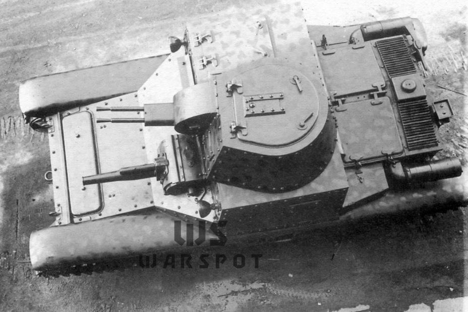 Эта версия лёгкого танка сильно напоминала по концепции M11-39. Сама по себе идея работы одного человека и с орудийной установкой в корпусе, и с башенными пулемётами была порочной - Запоздавший преемник танкеток   Warspot.ru