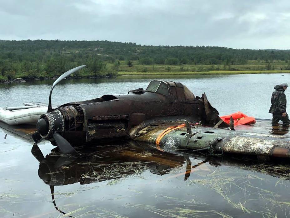 Штурмовик Ил-2 со дна озера Кулонга. facebook.com/wingsofvictory.ru - В России «выловили» штурмовик Ил-2 | Warspot.ru