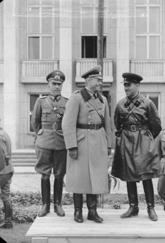 Мориц фон Викторин, Гейнц Вильгельм Гудериан и Семён Кривошеин в Бресте. Bundesarchiv, Bild 101I-121-0011A-22 / Gutjahr / CC-BY-SA 3.0
