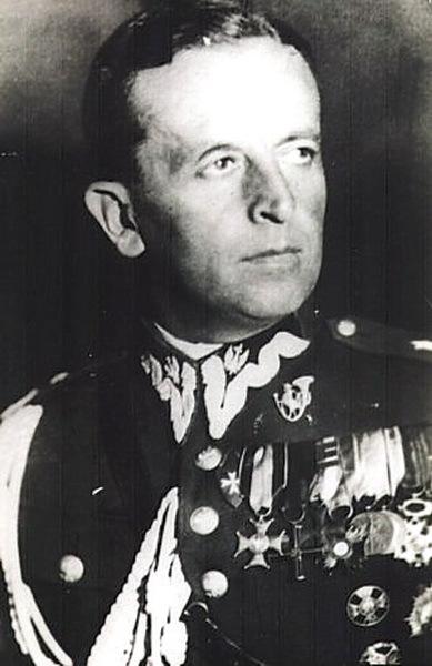 Станислав Гжмот-Скотницкий. pl.wikipedia.org