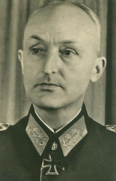 Полковник Ханс Гольник, командир 76-го пехотного полка. ru.wikipedia.org