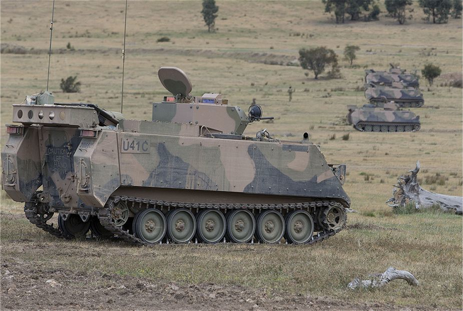 https://warspot-asset.s3.amazonaws.com/articles/pictures/000/060/379/content/australia_has_released_tender_to_replace_m113_tracked_armored_personnel_carrier_925_001-e49825129686eb5e1108ca21f39256a9.jpg