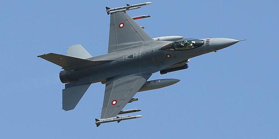 Истребитель F-16 Fighting Falcon. popularmechanics.com - F-16 получит индийские крылья | Warspot.ru