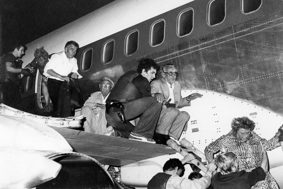 Эвакуация заложников после штурма
