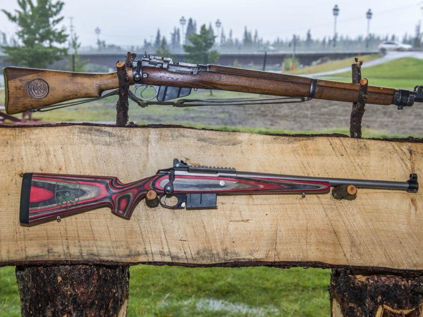 Винтовка Lee Enfield.303 (сверху) и Colt Canada C19 (снизу) ottawacitizen.com - Канадские рейнджеры меняют свои «антикварные» винтовки | Warspot.ru