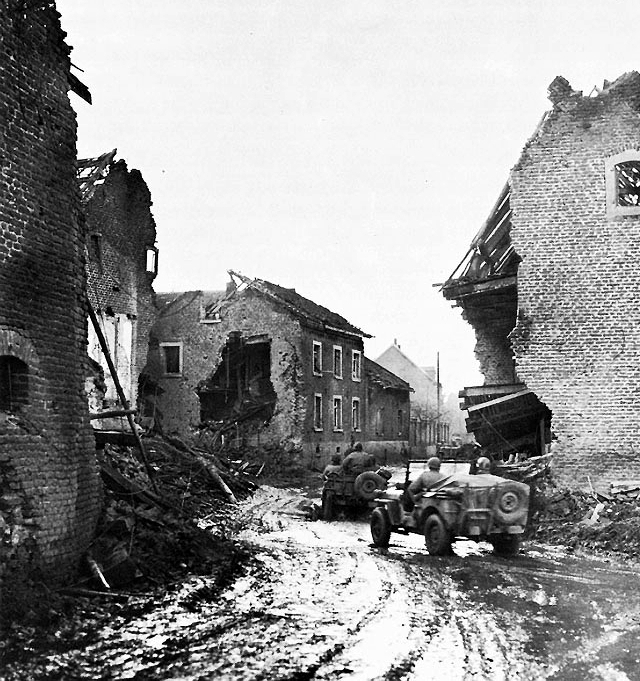 ​Город Дьёз, 20 ноября 1944 года. Armor vs. Mud and Mines: 4th Armored Division in the Saare – Moselle Area. – Fort Knox, KY: The Armored School, 1950 - Ярость «Чёрных пантер» | Warspot.ru