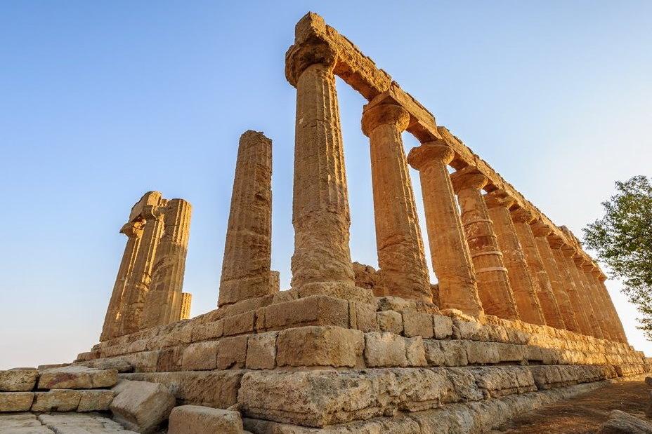 Руины храма в Акраганте — городе, долгое время сопротивлявшемся Агафоклу