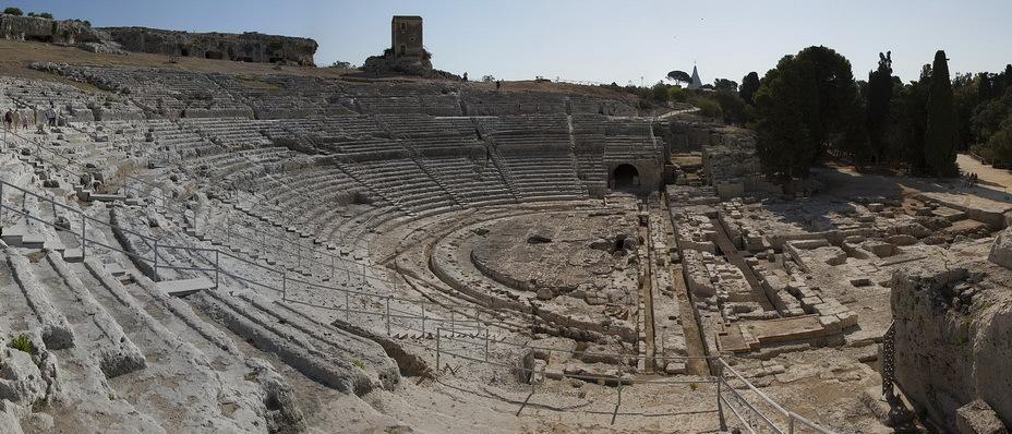 Греческий амфитеатр в Сиракузах — здесь своими зажигательными речами Агафокл завоёвывал популярность у народа