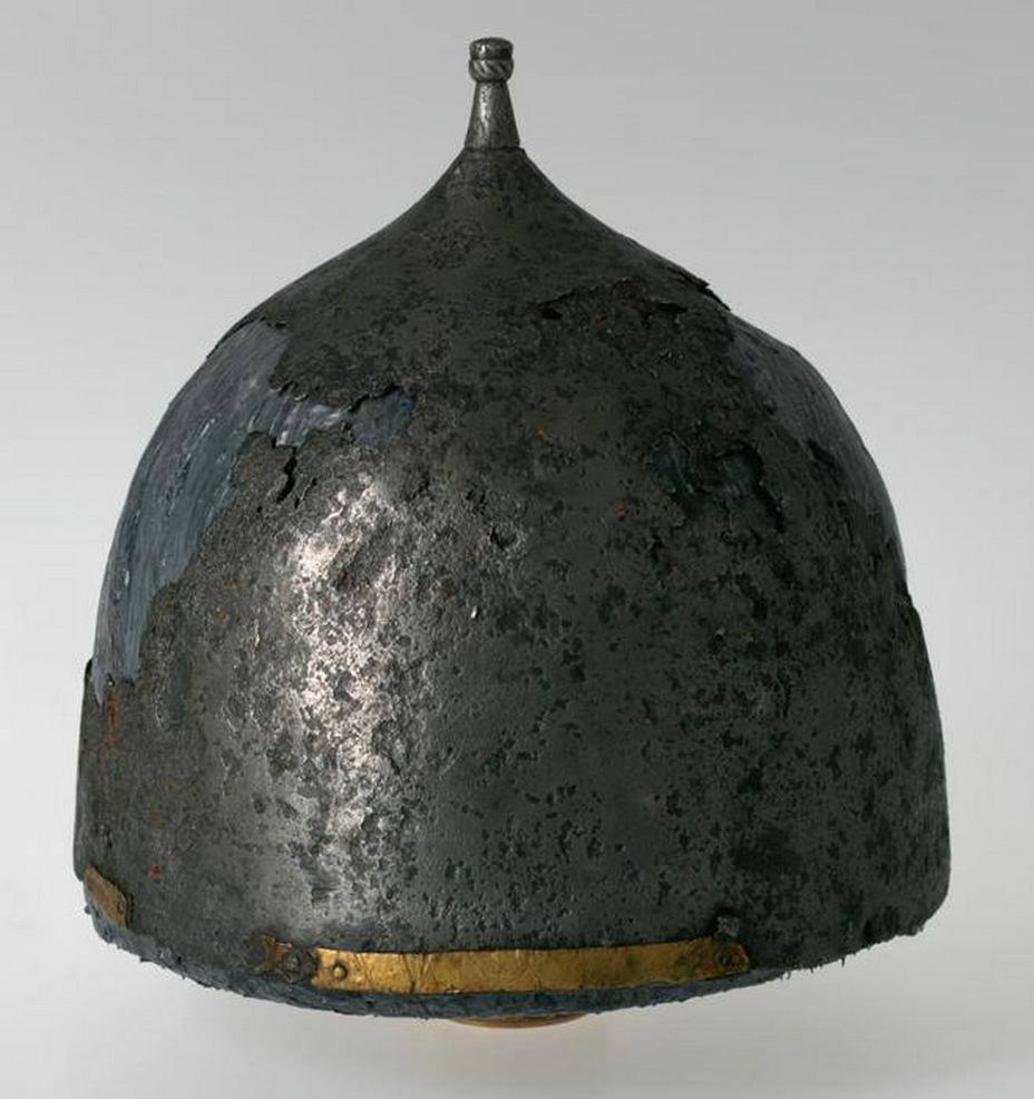 Железный шишак XV – начала XVI века, найденный в Арсенальной башне Московского кремля - Шелом, шишак и прочие мисюрки | Warspot.ru