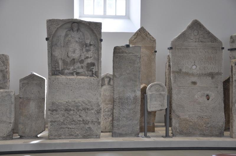 Римские солдатские надгробные стелы из лапидария Археологического музея в Майнце