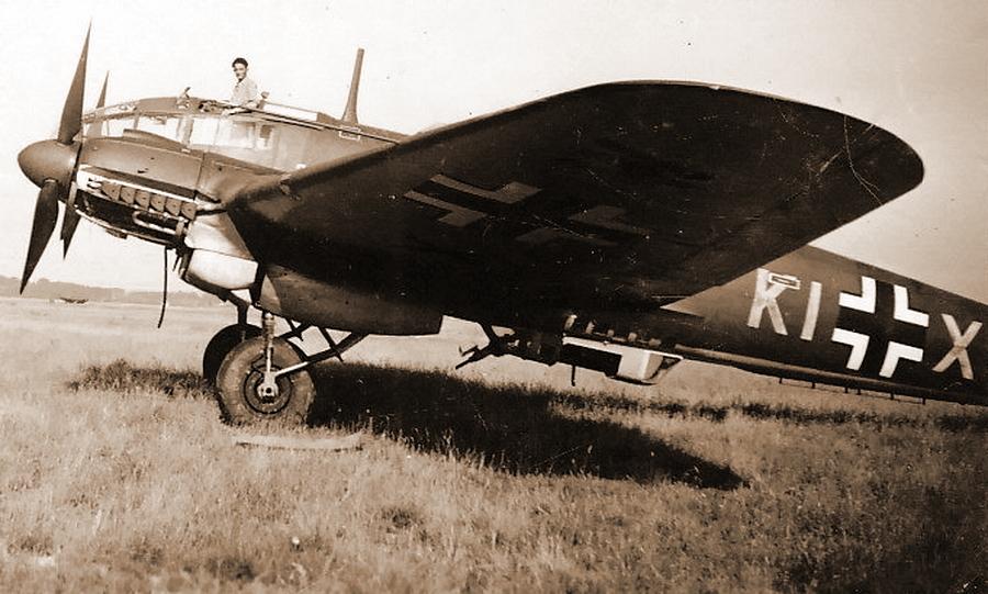He 111H-6 с заводским кодом KI+XW и заводским номером №4115 из 8./KG 26 — вероятно, сразу после поступления в состав III./KG 26. Далее самолёт получил код боевой части 1H+GS - Так был ли таран?   Warspot.ru