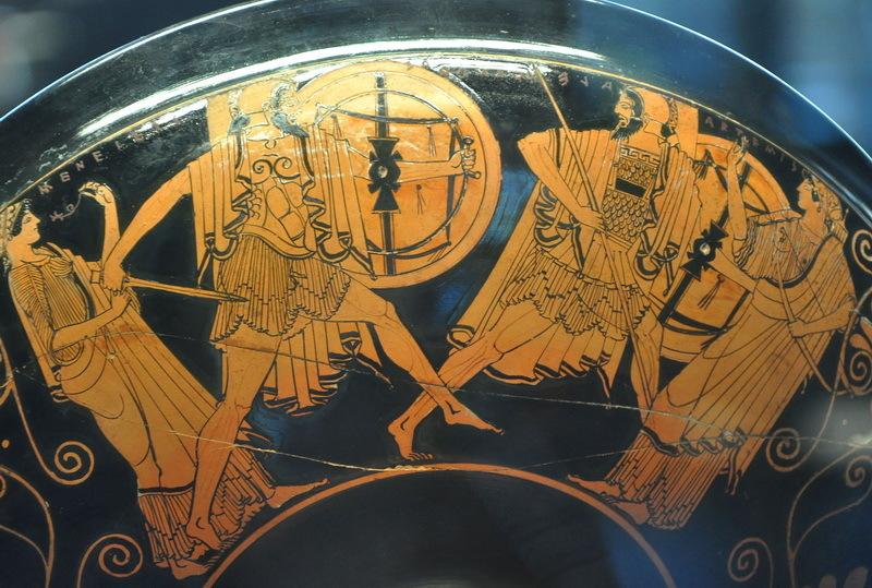 Менелай преследует Париса. Краснофигурный килик, около 480 года до н.э. Лувр, Париж - Поединки Троянской войны | Warspot.ru