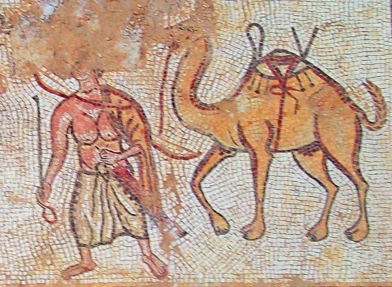 Бедуин со своим верблюдом на римской мозаике III–IV веков. Музей мозаик, Мадаба. Фотография автора - Набатеи, властители Петры | Warspot.ru