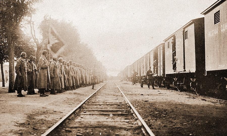 Отправка черногорских солдат на фронт, 1912 год (http://montenegrina.net) - Брат на брата: зеленаши против белашей | Warspot.ru