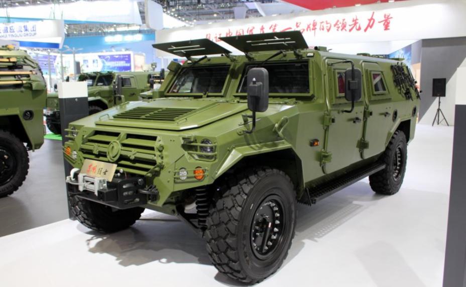 Внедорожник Dongfeng 4×4. armyrecognition.com - Китайская армия тестирует новые бронемашины | Warspot.ru