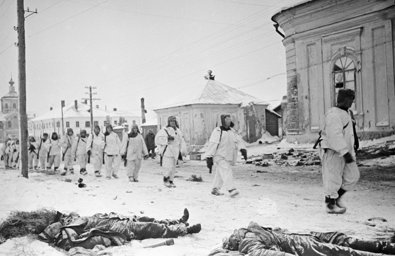 21 января 1942 года войска 4-й Ударной армии вошли в Торопец. waralbum.ru - К западу от Селигера | Warspot.ru