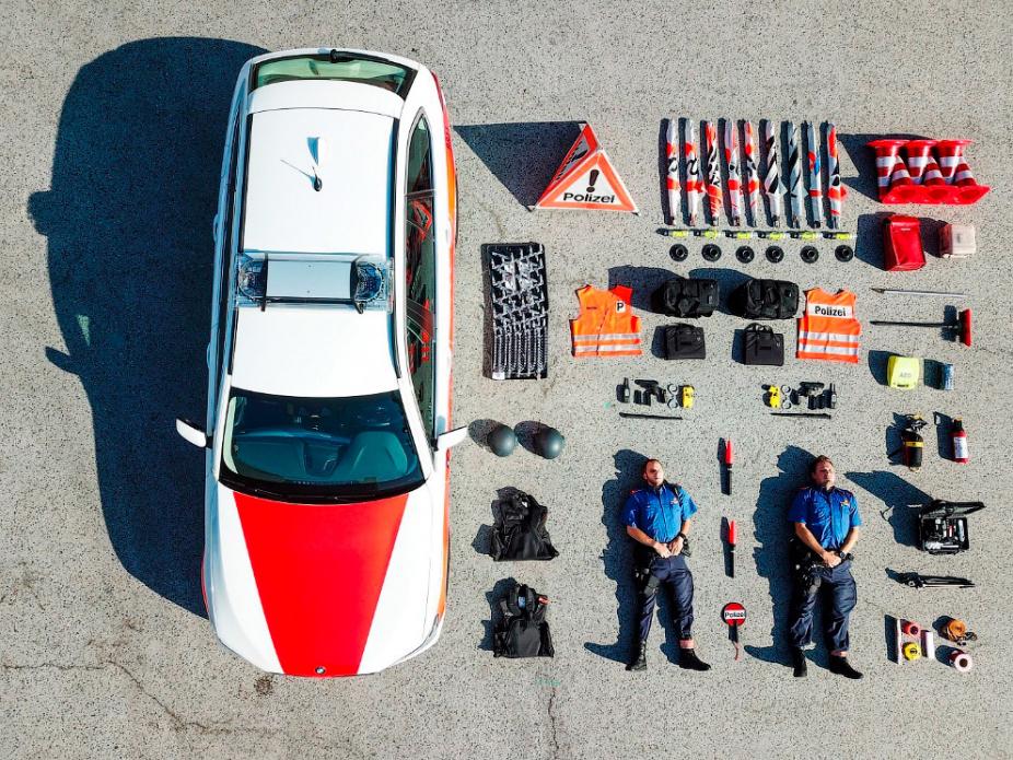 Полиция Швейцарии twitter.com - #TetrisChallenge: военные в деле | Warspot.ru