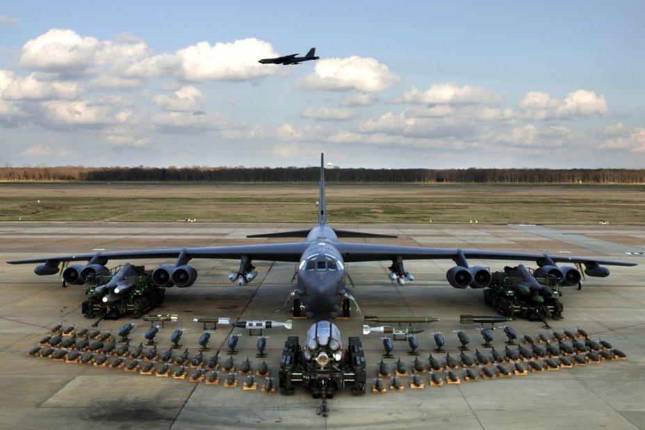Бомбардировщик B-52 участвовал в челлендже за много лет до его начала twimg.com - #TetrisChallenge: военные в деле | Warspot.ru