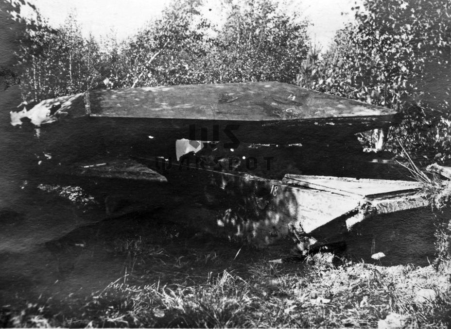 Разрушения сварных швов являлись одной из ключевых проблем корпусов советских тяжёлых танков военного периода – особенно это касалось продукции УЗТМ. Макет №15 не стал исключением - Не попавший в амплитуду   Warspot.ru