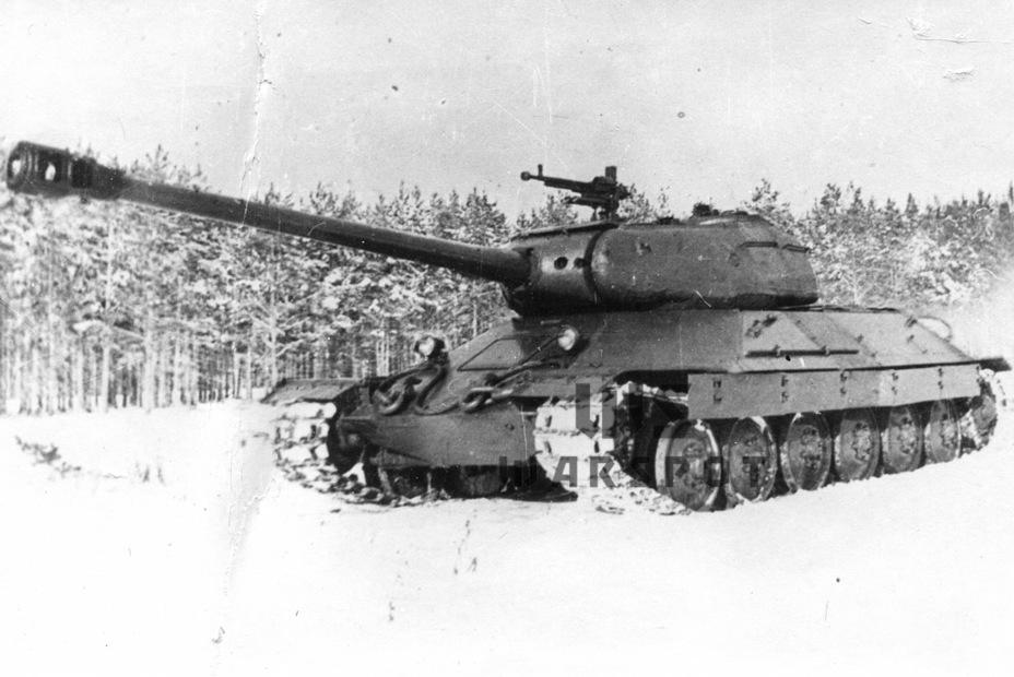 Опытный образец тяжёлого танка ИС-6 (Объект 252) на испытаниях, ноябрь-декабрь 1944 года - Не попавший в амплитуду   Warspot.ru