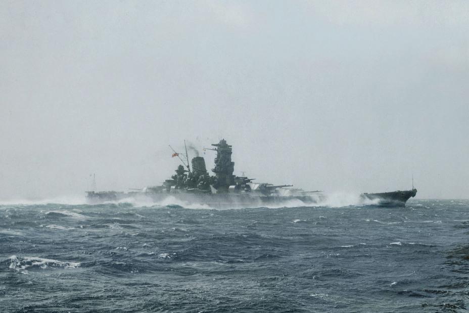 Одной из причин популярности «Ямато» смело можно назвать потрясающую красоту и элегантность этого огромного корабля. Раскрашенное фото. blog.livedoor.jp/irootoko_jr