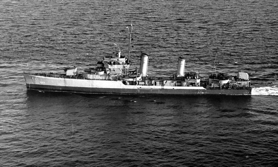 Американский эсминец «Нельсон» своим ходом следует в США на ремонт - Шнелльботы против «Нептуна» | Warspot.ru