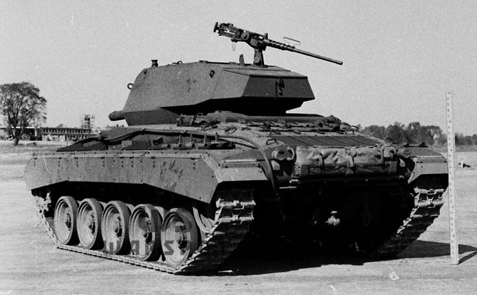 За счёт перекомпоновки моторного отделения и системы охлаждения удалось избавиться от горба над двигателем, характерного для Light Tank M5A1 - Лёгкий и долгоиграющий   Warspot.ru